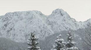 Ratownicy odradzają wychodzenia w góry