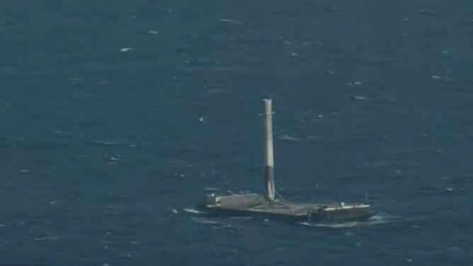 Sensacyjne lądowanie rakiety Falcon 9 na Atlantyku